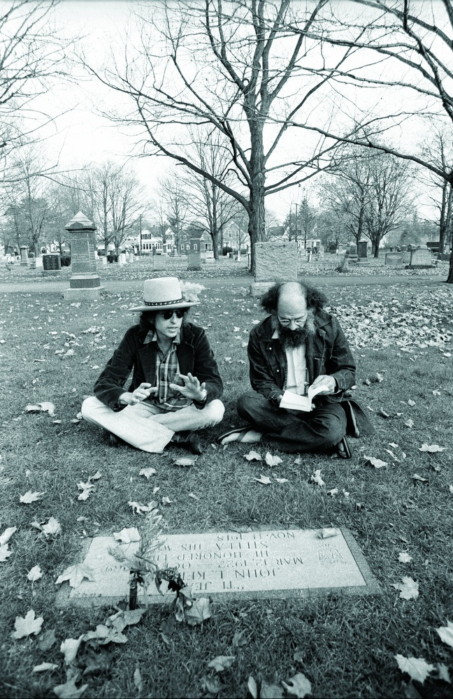 Dylan Ginsberg Kerouacs grave